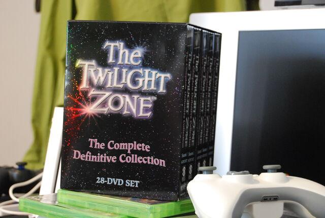 File:Twilight Zone Box-8126.jpg