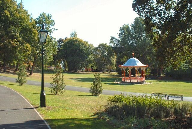 File:The Bandstand, The Arboretum, Lincoln-6804.jpg