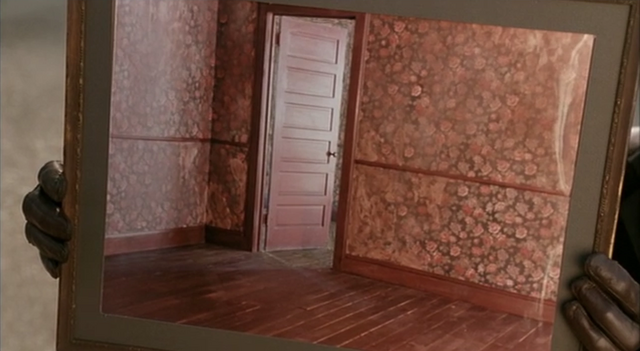 File:Doorway Picture Frame.png