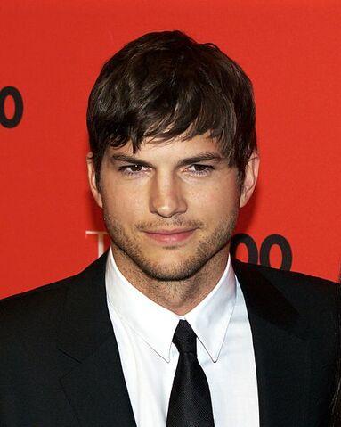 File:479px-Ashton Kutcher by David Shankbone.jpg