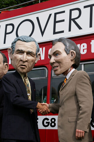 File:Protesters wearing George W. Bush and Tony Blair disguises (2004).jpg