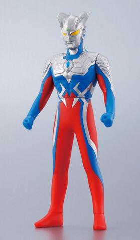 File:UHS-2009-40-Ultraman-Zero.jpg