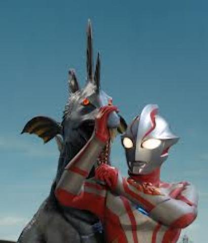 File:Zoa-Muruchi v Ultraman Mebius I.png
