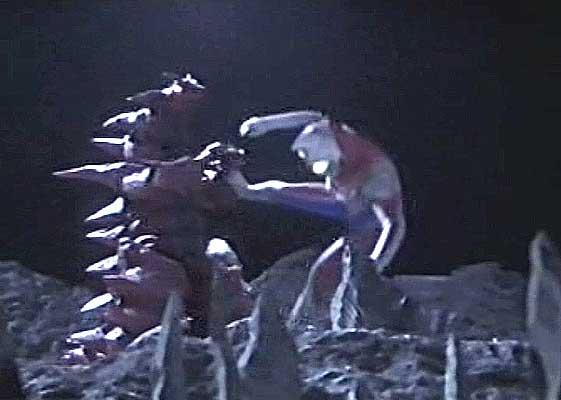 File:Monsarger battles Ultraman Dyna.jpg