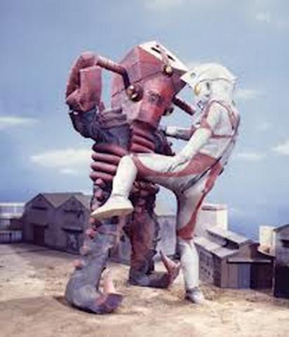 File:Alien Fire v Ultraman Ace.png
