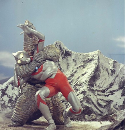 File:Ultraman vs Red King.jpg