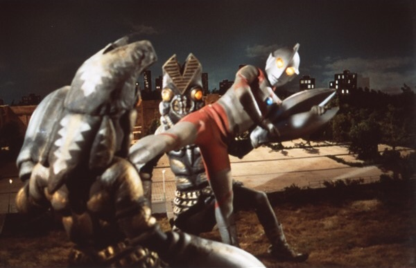File:Ultraman vs 2 Baltan.jpg