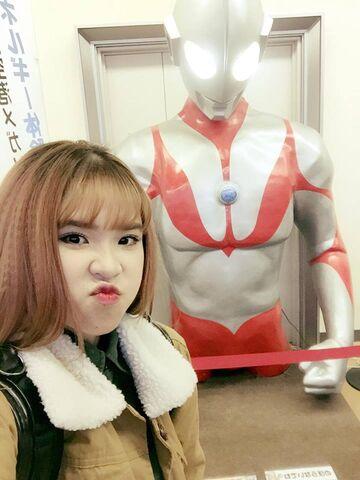 File:Khoi My & Ultraman.jpg