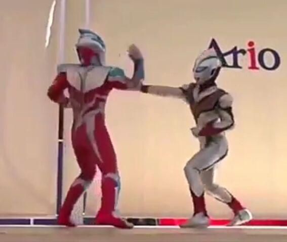 File:Evil Tiga vs Ultraman Ginga Strium.jpeg