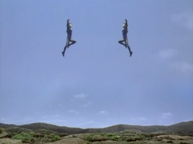 File:Imitation Cosmos Extraordinary Jumper3.png