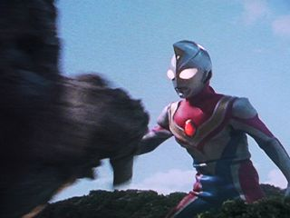 File:Geomos vs Ultraman Dyna2.jpeg