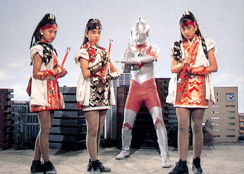 File:Ultraman gets all the chicks.jpg
