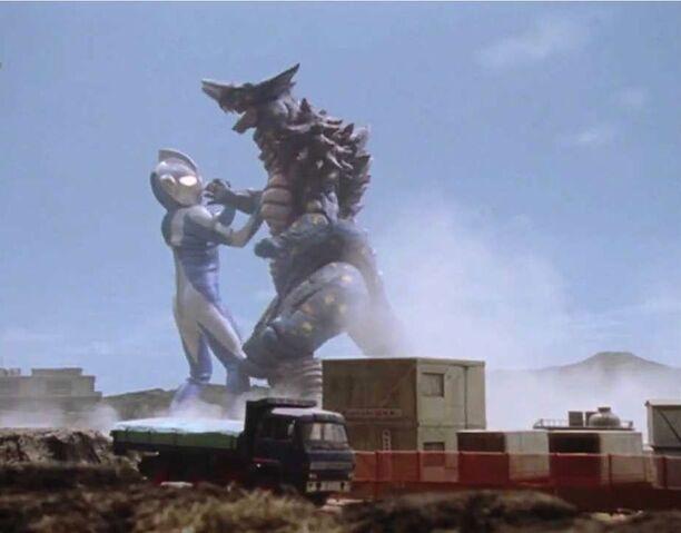 File:Ultraman Cosmos-Vadata Screenshot 006.jpg