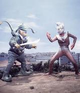 Alien Terrorist v Ultraman Taro