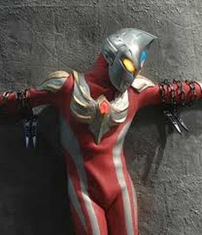 File:Ultraman Max crusified.png