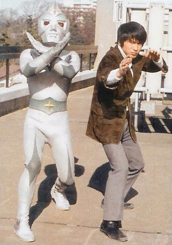 File:Mirrorman and Kagami.png