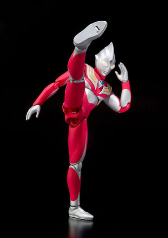 File:ULTRA-ACT TIGA POWER-UP7 16CM AUG2011 BANDAI 3360 0.jpg