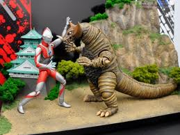 File:Ultraman vs gomor toys.jpeg