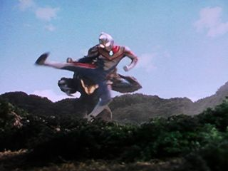 File:Geomos vs Ultraman Dyna5.jpeg