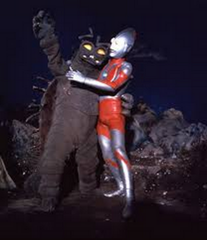 File:Kiyla v Ultraman.png