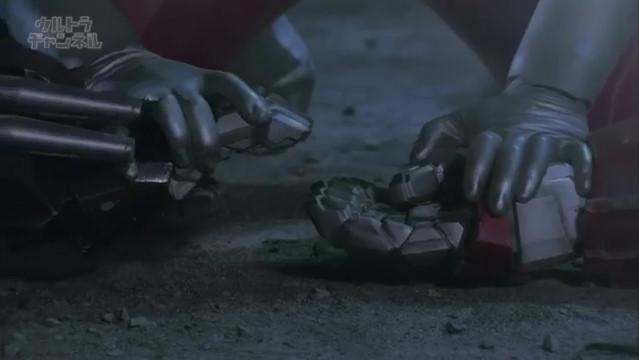 File:Glenfire hold Jean-bot's hand later.jpg