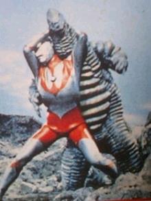 File:Redking v Ultraman.png