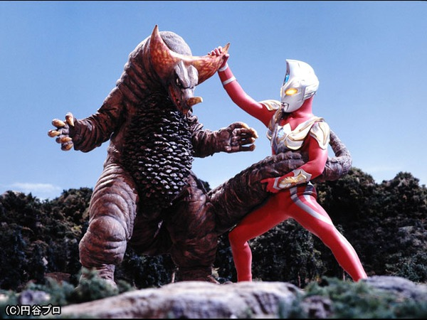 File:Max vs Gomora 2.jpg