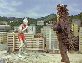 File:Ultraman vs Gango.jpg