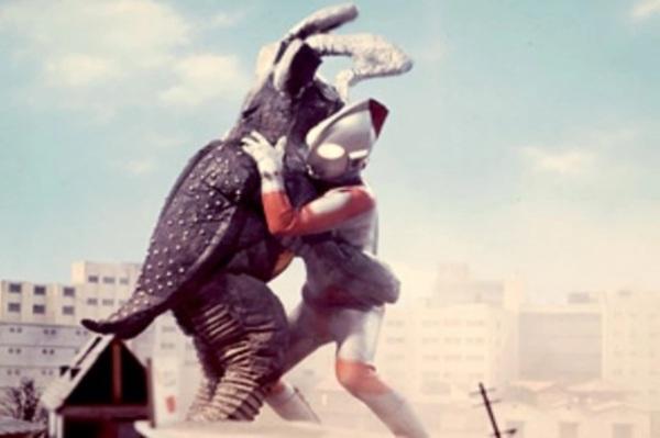 File:Zetton vs Ultraman.jpg