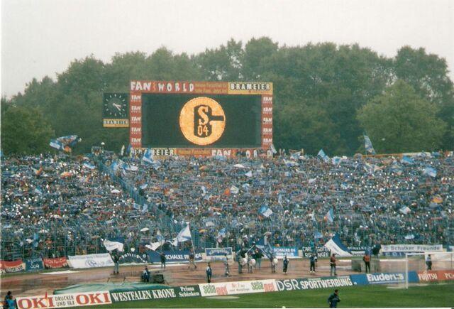 File:Parkstadion 1998-09-12.jpg