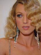 Natalie Zea (36)