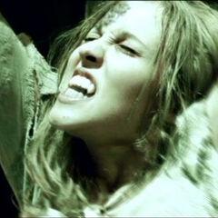 Sonja dying in <i>Underworld</i>.