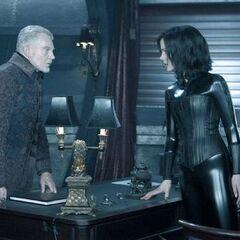 Alexander speaking with Selene.