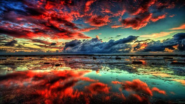 File:Red-clouds-on-lake.jpg