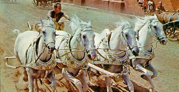 File:Ben-Hur-chariot-race.jpg