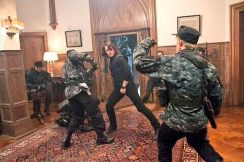 File:Dimitri fighting off Guardians.jpg