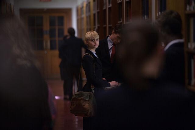 File:Mia and Aaron in school.jpg