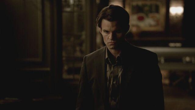 File:The-Vampire-Diaries-3x13-Bringing-Out-the-Dead-HD-Screencaps-elijah-28811446-1280-720.jpg