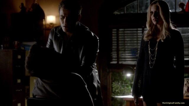 File:054-tvd-4x11-catch-me-if-you-can-theoriginalfamilycom.jpg