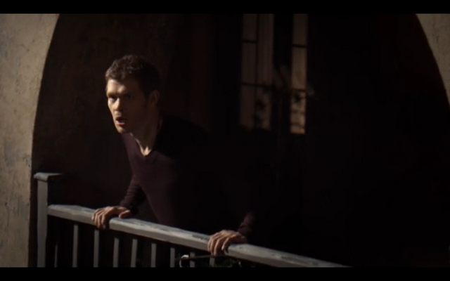 File:1x11-Klaus worried.png