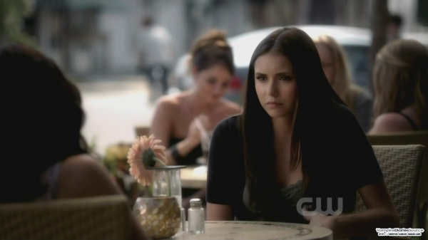 File:600full-the-vampire-diaries-screenshot-Elena(Kat).jpg