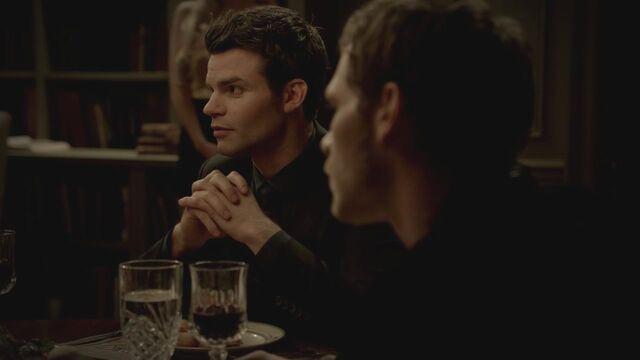 File:The-Vampire-Diaries-3x13-Bringing-Out-the-Dead-HD-Screencaps-elijah-28811959-1280-720.jpg