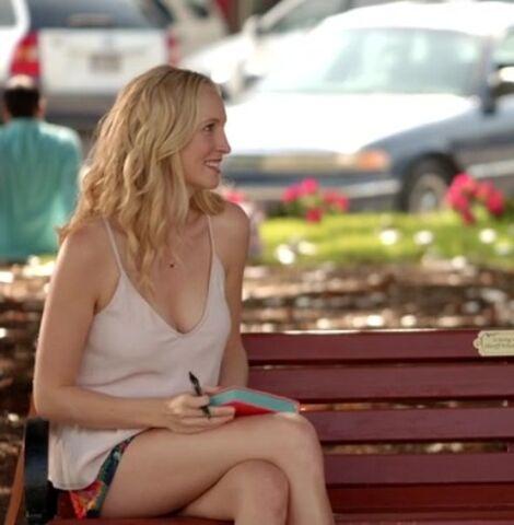 File:The-Vampire-Diaries-Season-7-Episode-1-2-7cc3.jpg