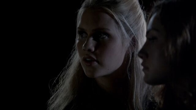 File:Rebekah 12 TO 1x04.jpg