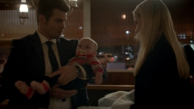 File:Elijah and hope mikaelson.png