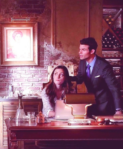 File:Hayley and Elija 1x14..png