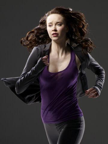 File:Chloe-Armstrong-stargate-universe-26254357-1502-2000.jpg
