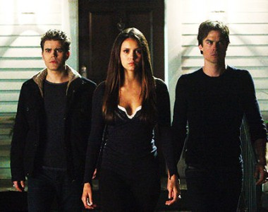 File:Elena-with-damon-and-stefan-in-415-380x300.jpg
