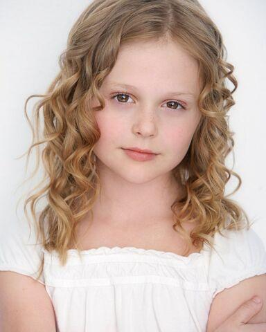 File:The Originals - Emily Alyn Lind.jpg