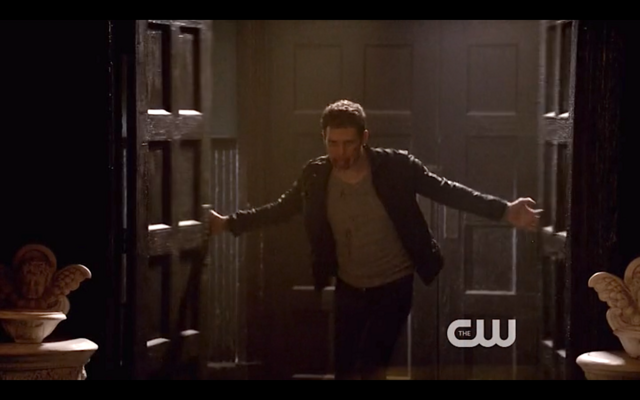 File:1x22-Klaus bursts in.png